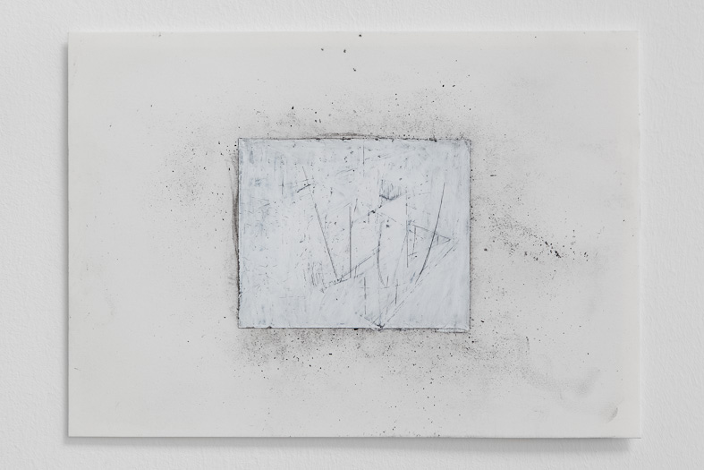 Sem título, 2012. Cera e carvão sobre papel, 23 x 32 cm/ Untitled, 2012. Wax and coal pencil on paper, 23 x 32 cm