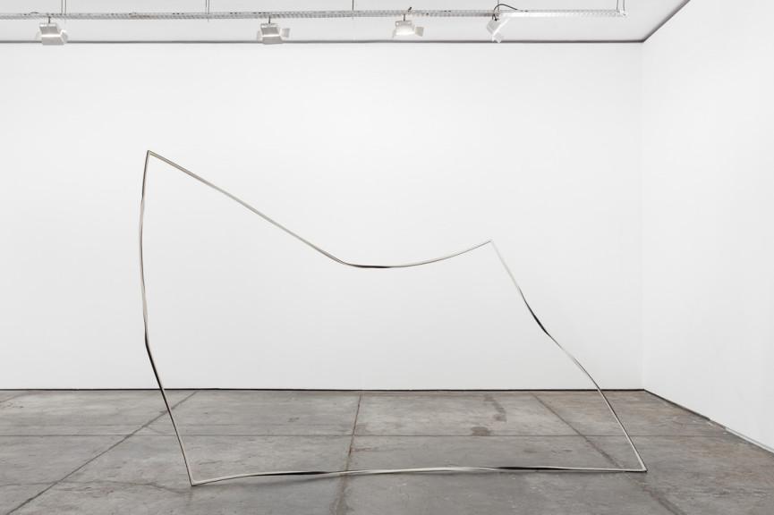 Sem título/ Untitled, 2015 Paper and iron 220x340x170 cm Fotografia por/ Photograph by Bruno Lopes