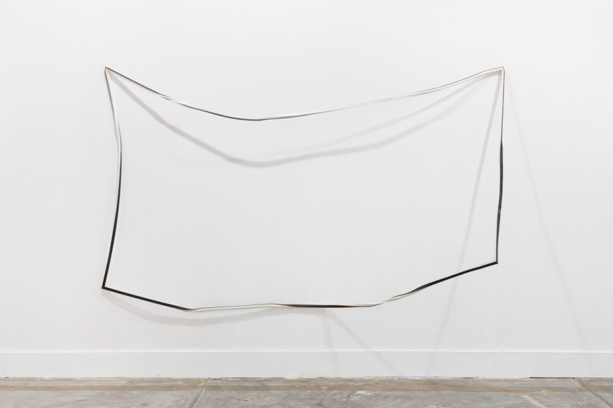 Sem título/ Untitled, 2015 Paper and iron 170x295x87 cm Fotografia por/ Photograph by Bruno Lopes